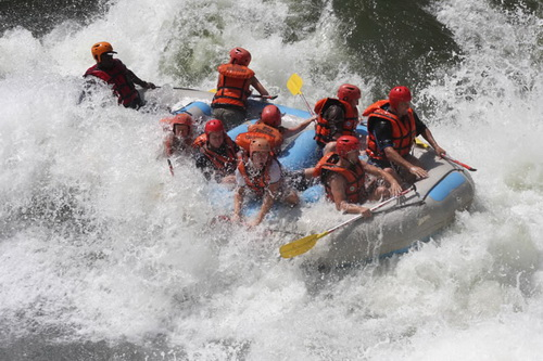 Descente des rapides du Zambèze au pied des chutes