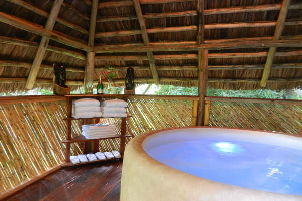 Moyoni lodge (http://www.moyoni-lodge.com/)